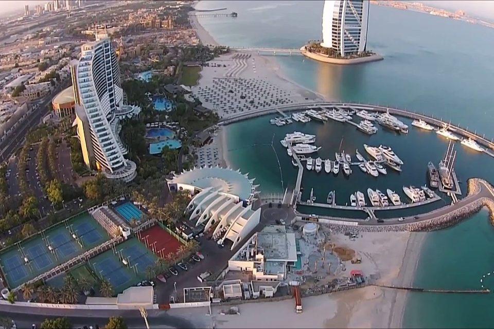 Район Джумейра в Дубае: описание, фото, пляжи, отели, парки